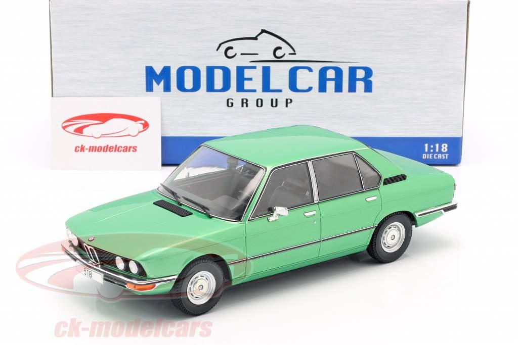BMW 518 (E12) Bouwjaar 1974 licht groen metalen 1:18 Model Car Group