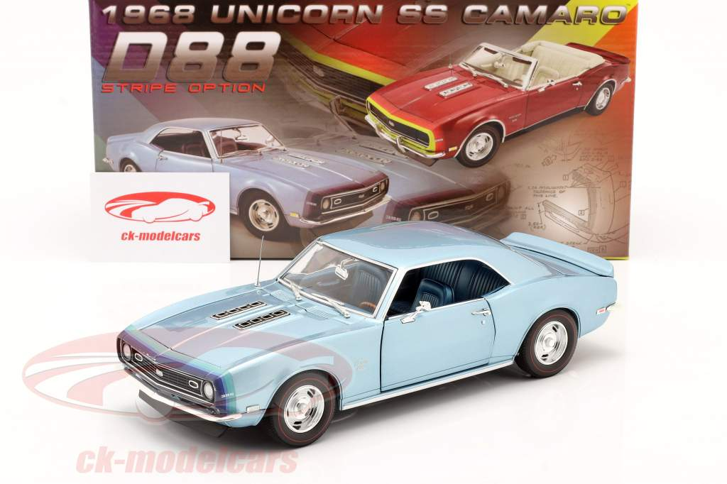 Chevrolet Camaro SS Coupe year 1968 blue 1:18 GMP