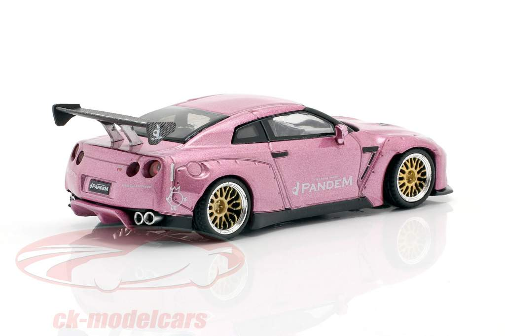 Pandem Nissan GT-R R35 GT Wing LHD passion pink 1:64 TrueScale