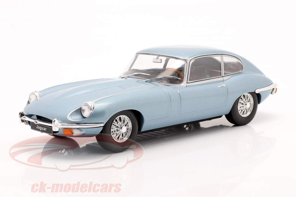 Jaguar E-Type blu metallico 1:24 WhiteBox
