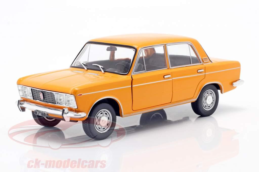 Fiat 125 naranja 1:24 WhiteBox
