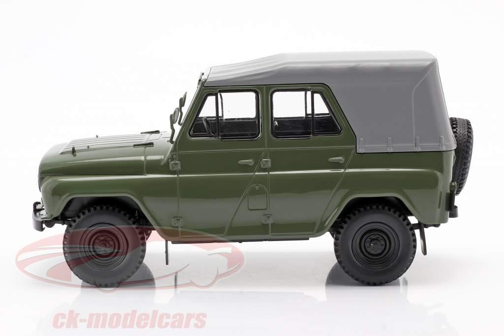 UAZ 469 oliva verde 1:24 WhiteBox