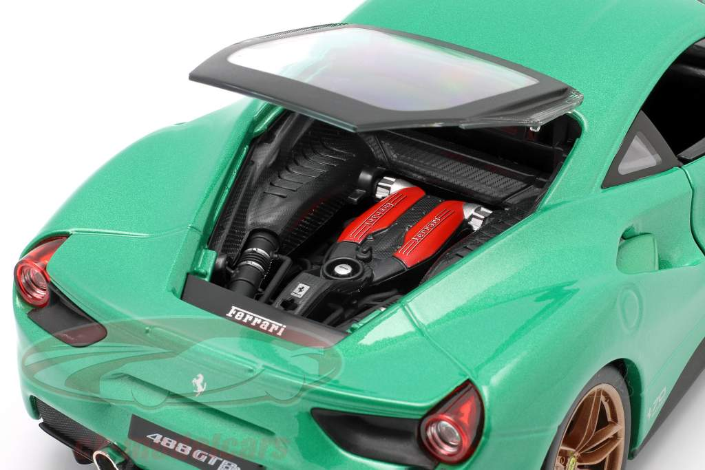 Ferrari 488 GTB #25 The Green Jewel 70th Anniversary Collection green 1:18 Bburago
