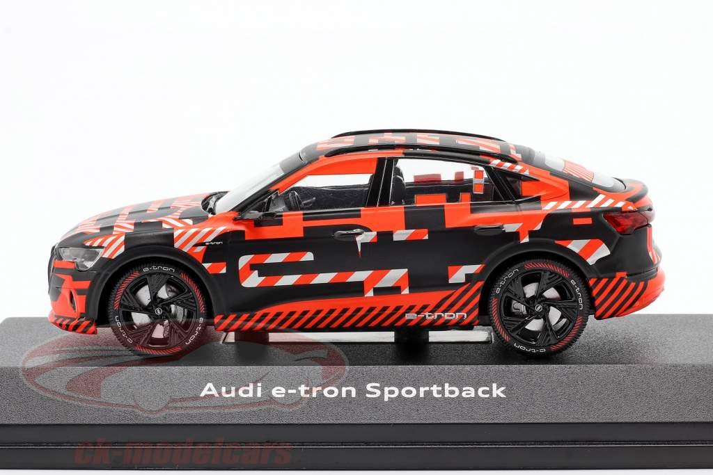 Audi e-tron Sportback Prototype zwart / rood 1:43 iScale
