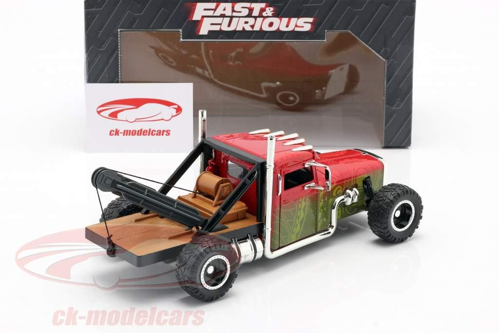 Custom Peterbilt Bugsere lastbil Fast & Furious Hobbs & Shaw (2019) 01:24 Jada Toys