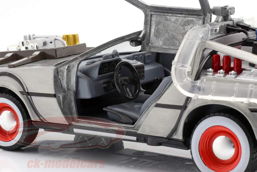 DeLorean Time Machine Back to the Future III (1990) argento 1:24 Jada Toys