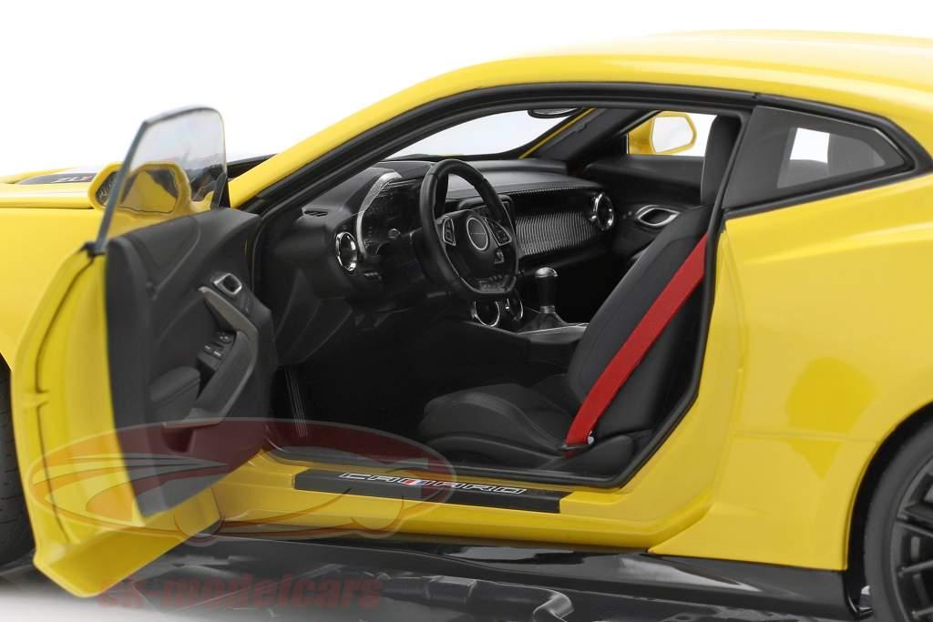 Chevrolet Camaro ZL1 year 2017 bright yellow 1:18 AUTOart