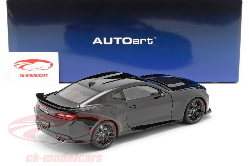 Chevrolet Camaro ZL1 year 2017 black 1:18 AUTOart