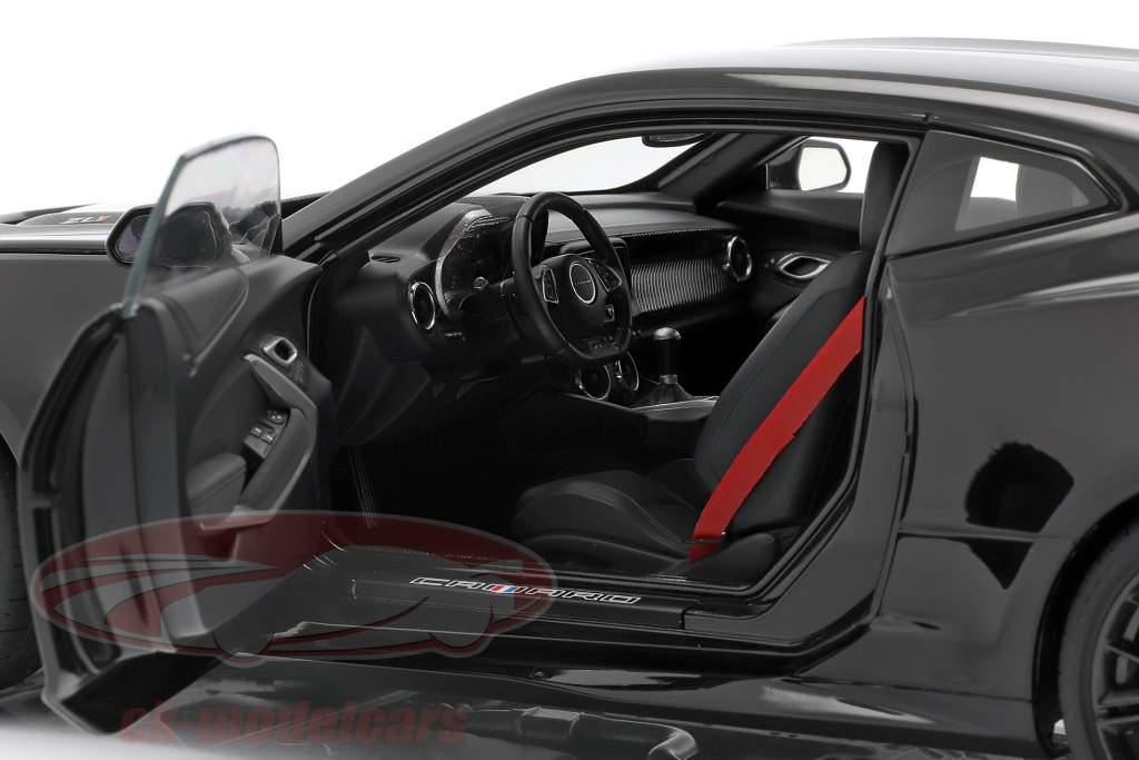 Chevrolet Camaro ZL1 Bouwjaar 2017 zwart 1:18 AUTOart