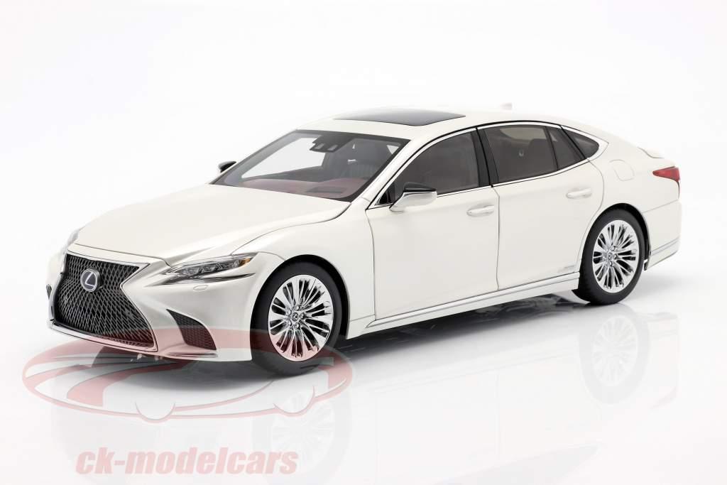 Lexus LS 500h year 2018 sonic white metallic 1:18 AUTOart