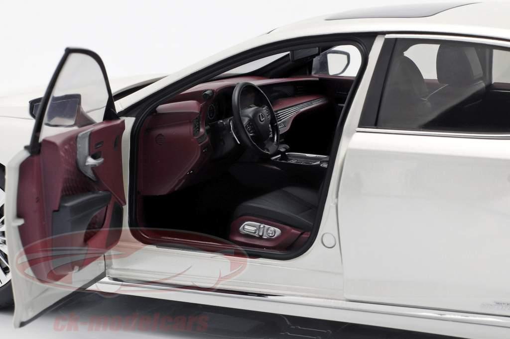 Lexus LS 500h Anno di costruzione 2018 sonico bianca metallico 1:18 AUTOart