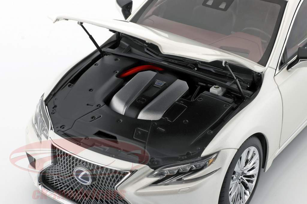 Lexus LS 500h Baujahr 2018 sonic weiß metallic 1:18 AUTOart