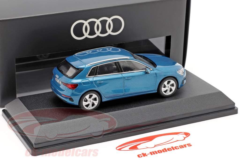 Audi A3 Sportback Anno 2020 atollo blu 1:43 iScale