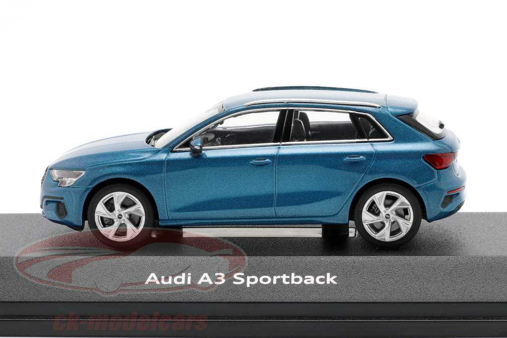 Audi A3 Sportback Baujahr 2020 atollblau 1:43 iScale