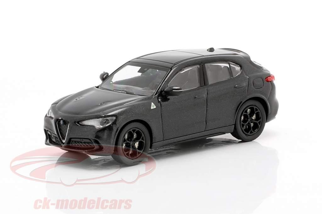 Alfa Romeo Stelvio Quadrifoglio Baujahr 2018 schwarz metallic 1:87 Minichamps