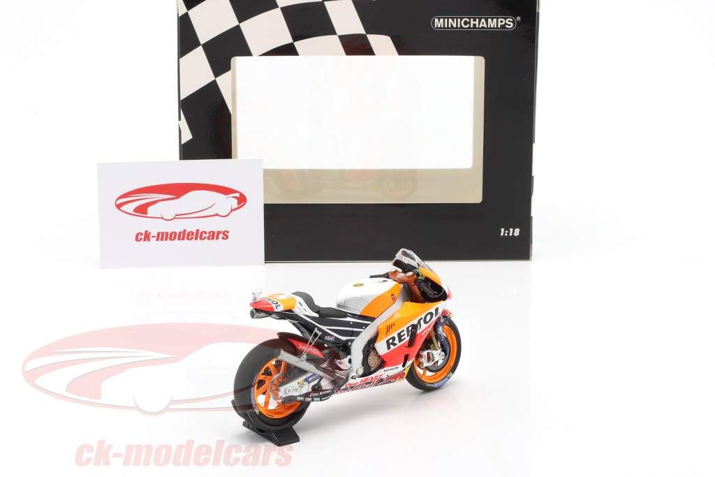 Marc Marquez Honda RC213V #93 Wereldkampioen MotoGP 2017 1:43 Minichamps