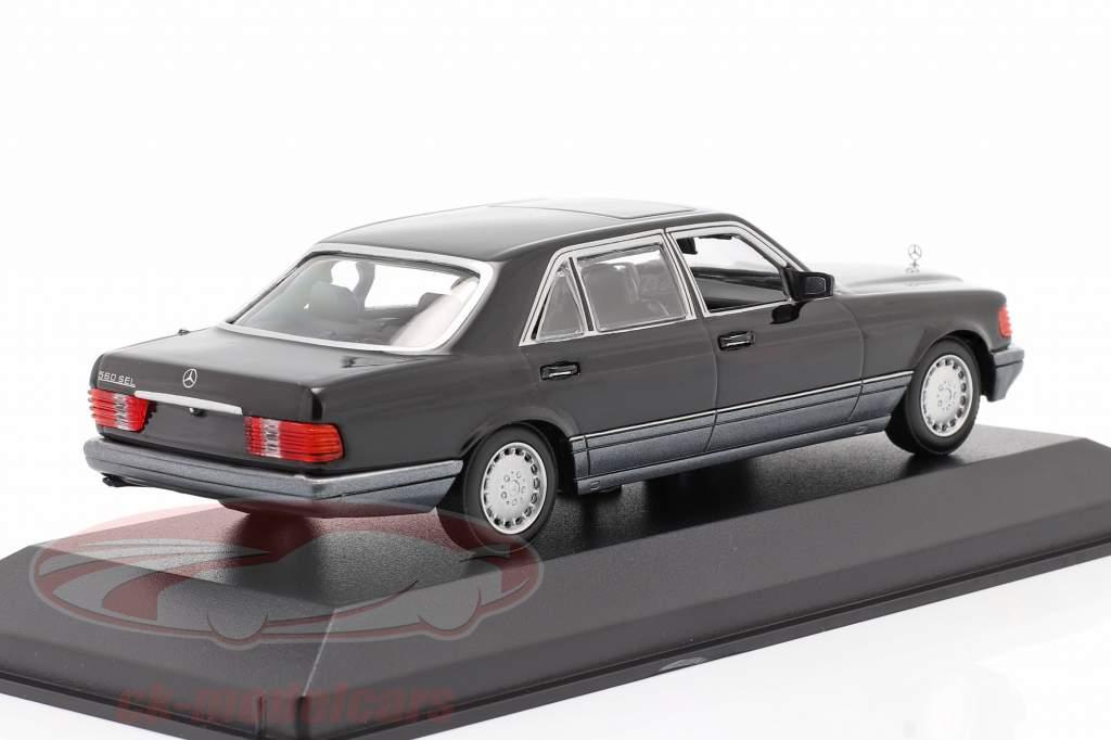 Mercedes-Benz 560 SEL (W126) Anno di costruzione 1990 nero 1:43 Minichamps