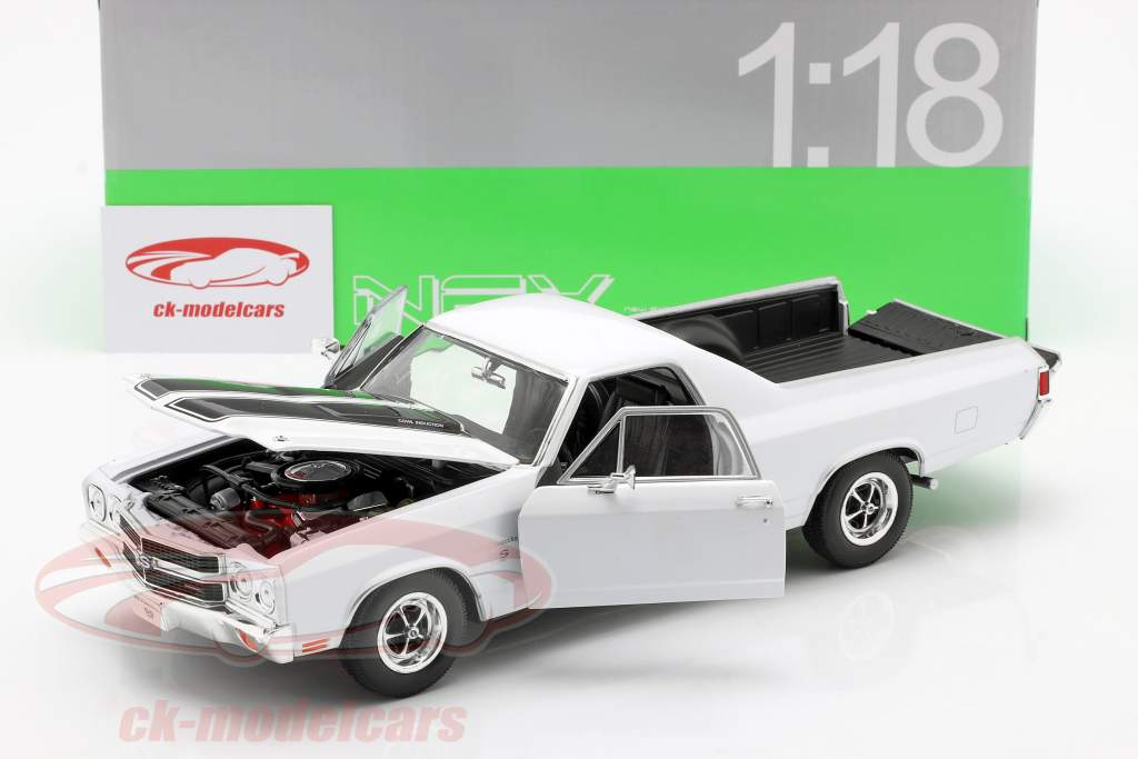 Chevrolet El Camino año 1970 blanco / negro 1:18 Welly
