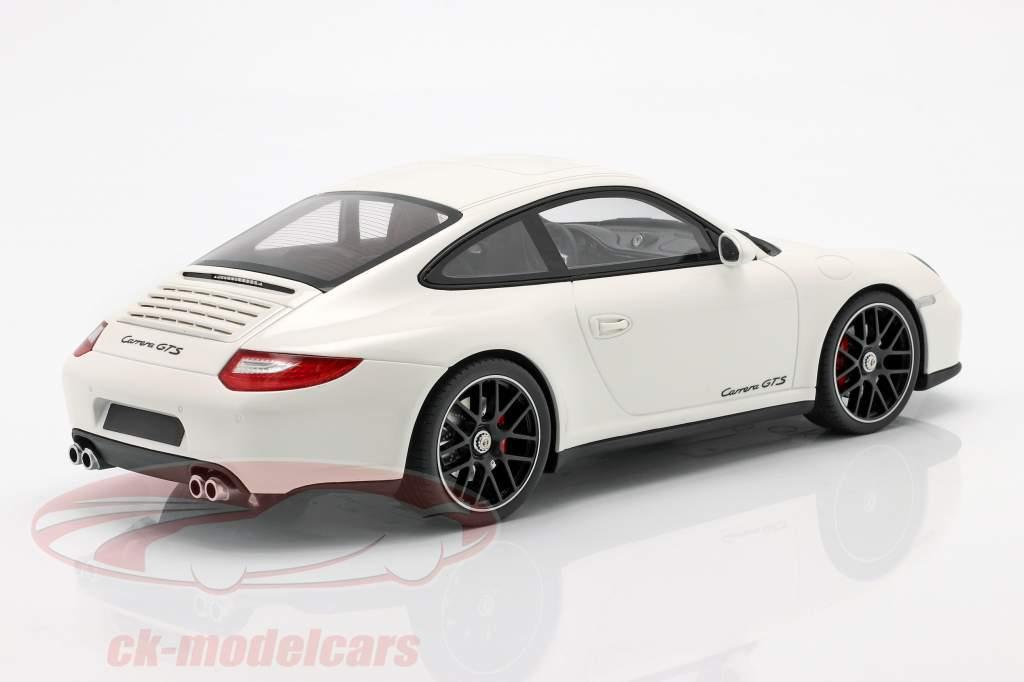 Porsche 911 (997 II) GTS white 1:18 GT-Spirit