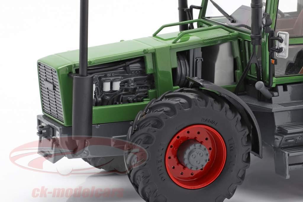 Fendt Favorit 626 LSA tractor Met Dubbele banden 1981-1985 groen 1:32 Schuco