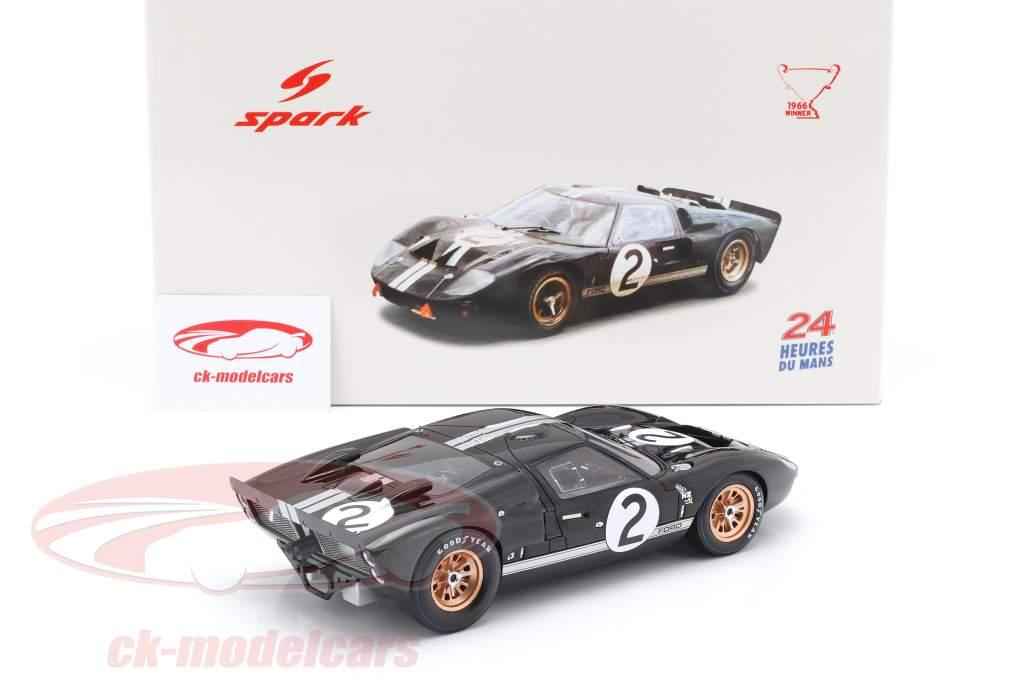 Ford GT40 MK II #2 ganador 24h LeMans 1966 McLaren, Amon 1:18 Spark