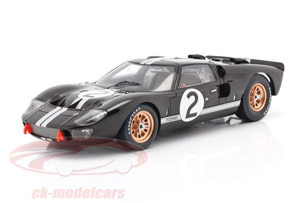 Ford GT40 MK II #2 Sieger 24h LeMans 1966 McLaren, Amon 1:18 Spark
