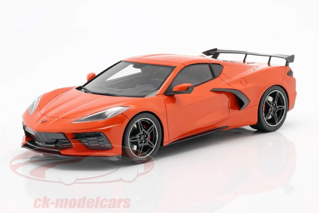 Chevrolet Corvette C8 Stingray mit High Wing Baujahr 2020 orange 1:18 TrueScale