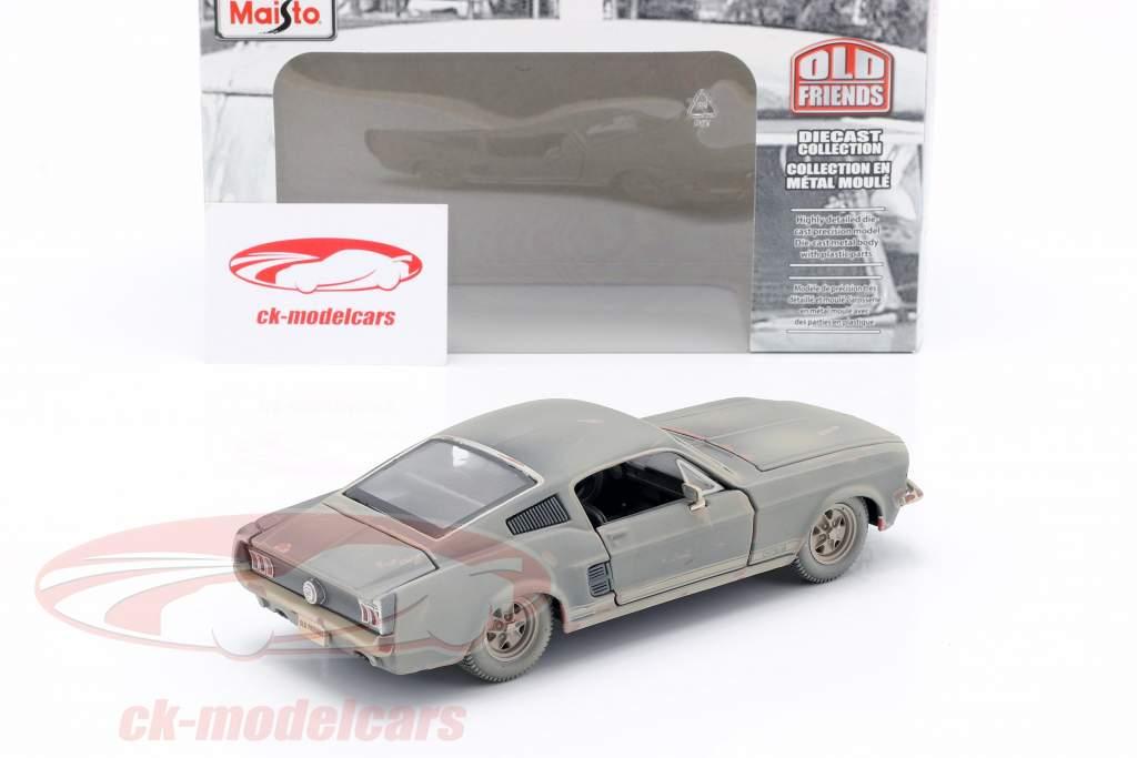 Ford Mustang GT Année de construction 1967 Sale version 1:24 Maisto