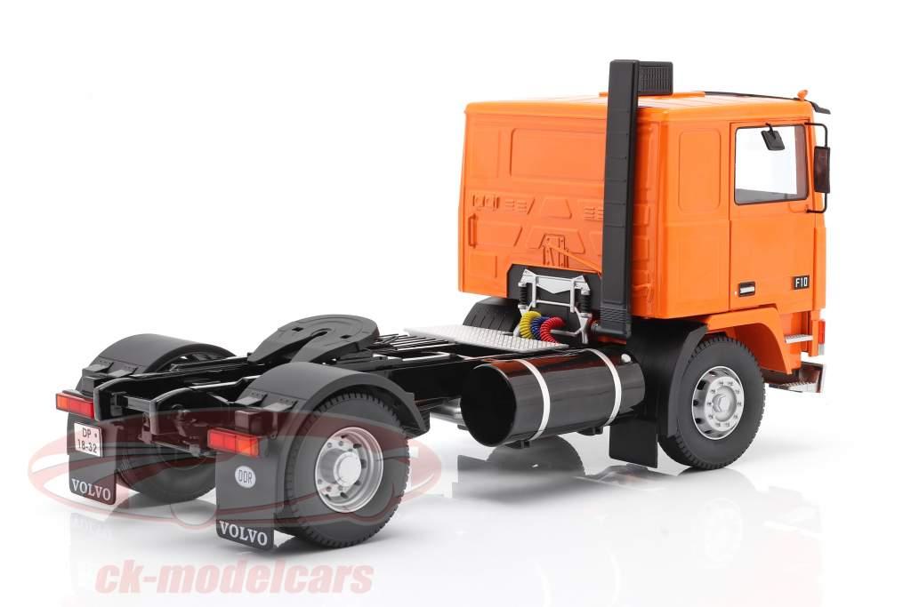 Volvo F10 un camion Deutrans Année de construction 1977 Orange / noir 1:18 Road Kings