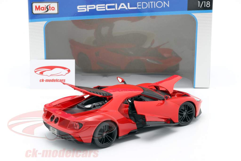 Ford GT an 2017 rouge 1:18 Maisto
