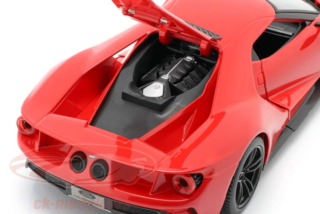 Ford GT jaar 2017 rood 1:18 Maisto