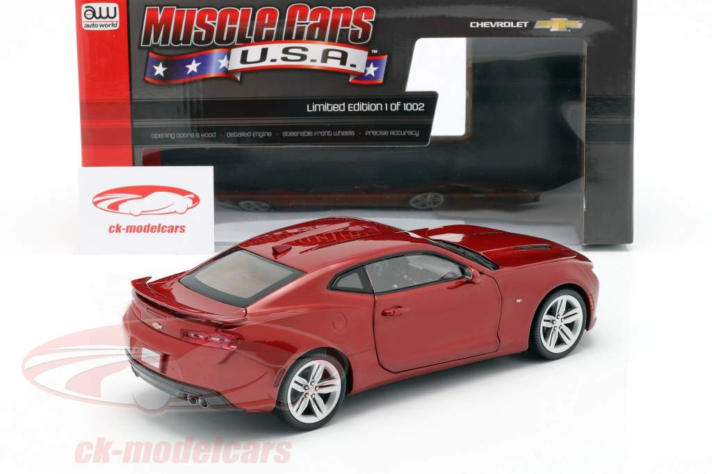Chevrolet Camaro SS år 2016 rød 1:18 AutoWorld