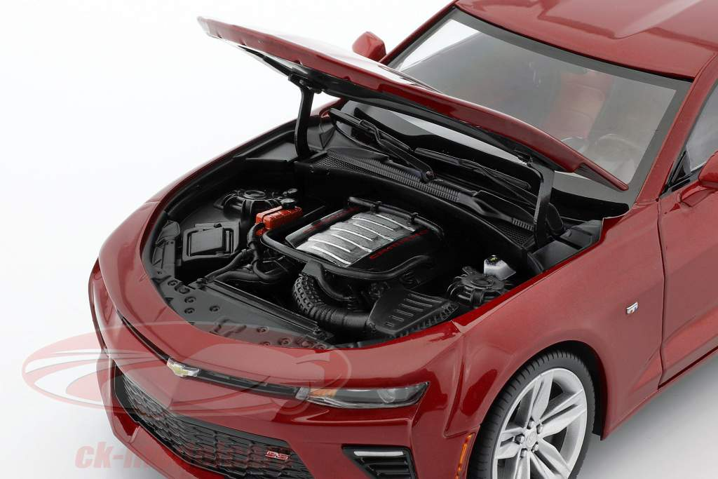 Chevrolet Camaro SS jaar 2016 rood 1:18 AutoWorld