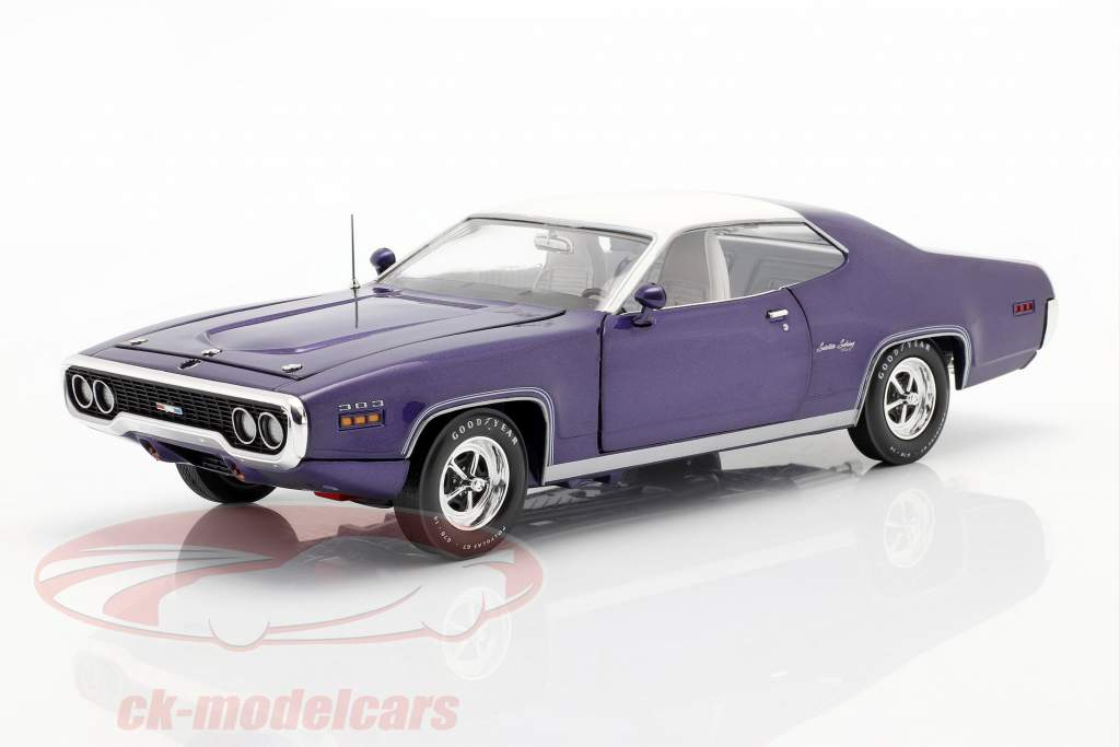 Plymouth Satellite Sebring Plus Año de construcción 1971 Violeta metálico / Blanco 1:18 AutoWorld