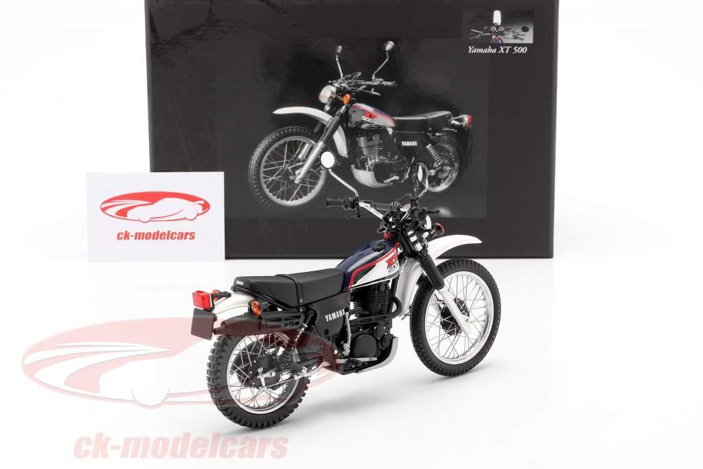 Yamaha XT 500 Año de construcción 1986 azul oscuro / Blanco 1:12 Minichamps