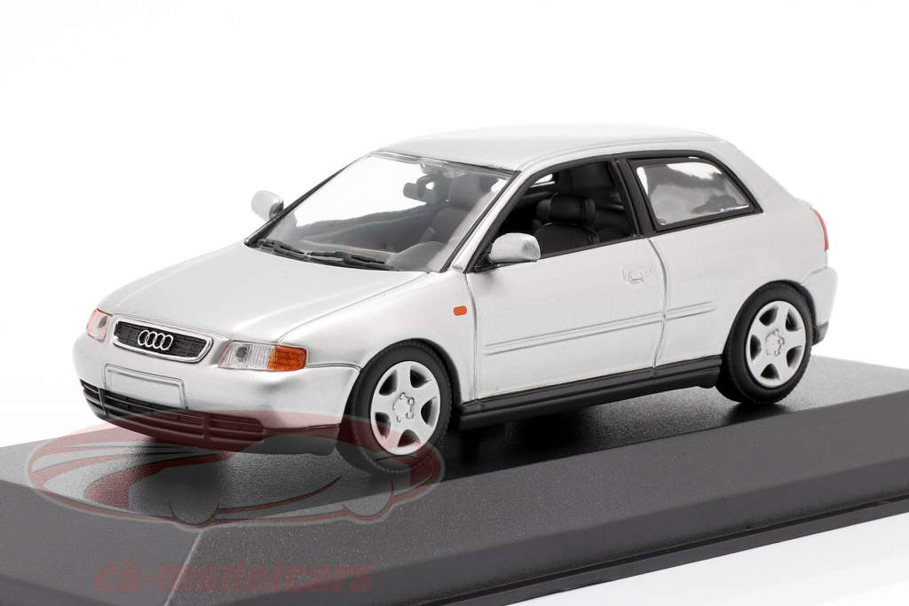 Audi A3 (8L) Année de construction 1996 argent 1:43 Minichamps
