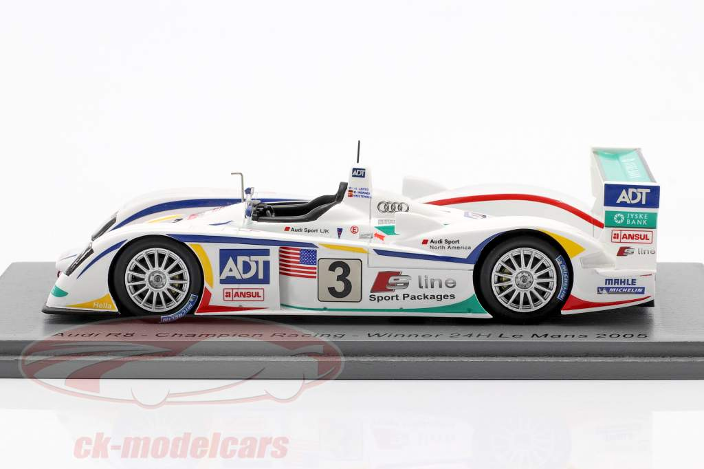 Audi R8 #3 gagnant 24h LeMans 2005 Lehto, Werner, Kristensen 1:43 Spark