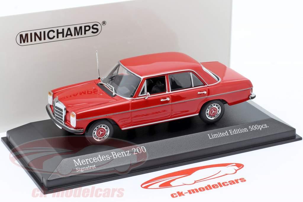 Mercedes-Benz 200D (W114/115) Baujahr 1968 rot 1:43 Minichamps