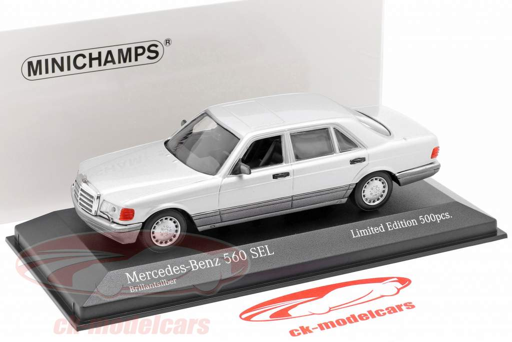 Mercedes-Benz 560 SEL (W126) Año de construcción 1990 plata 1:43 Minichamps