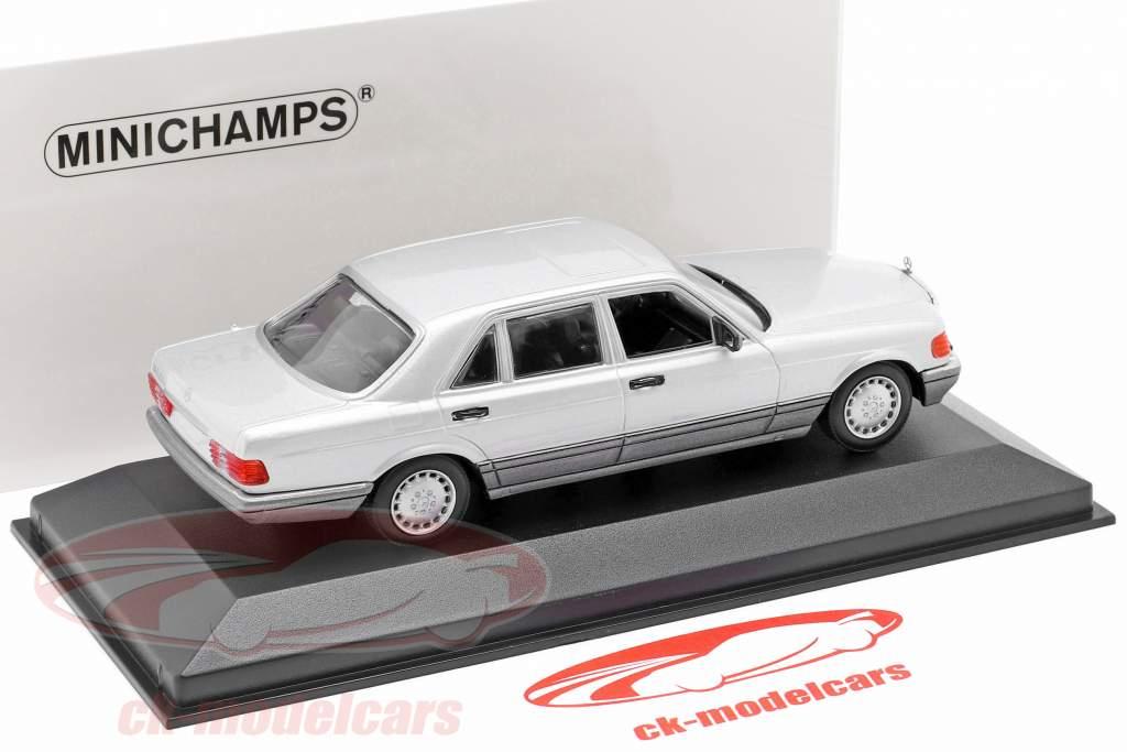 Mercedes-Benz 560 SEL (W126) year 1990 silver 1:43 Minichamps