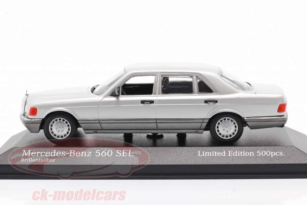 Mercedes-Benz 560 SEL (W126) Bouwjaar 1990 zilver 1:43 Minichamps