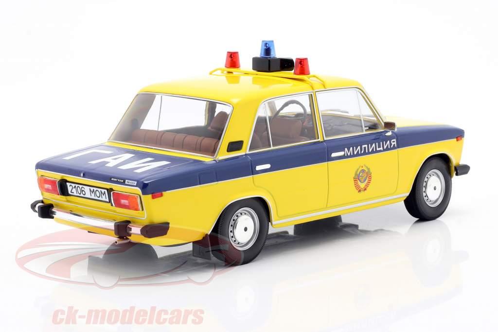 Lada 2106 Politie USSR Bouwjaar 1976 geel / donkerblauw 1:18 Triple9
