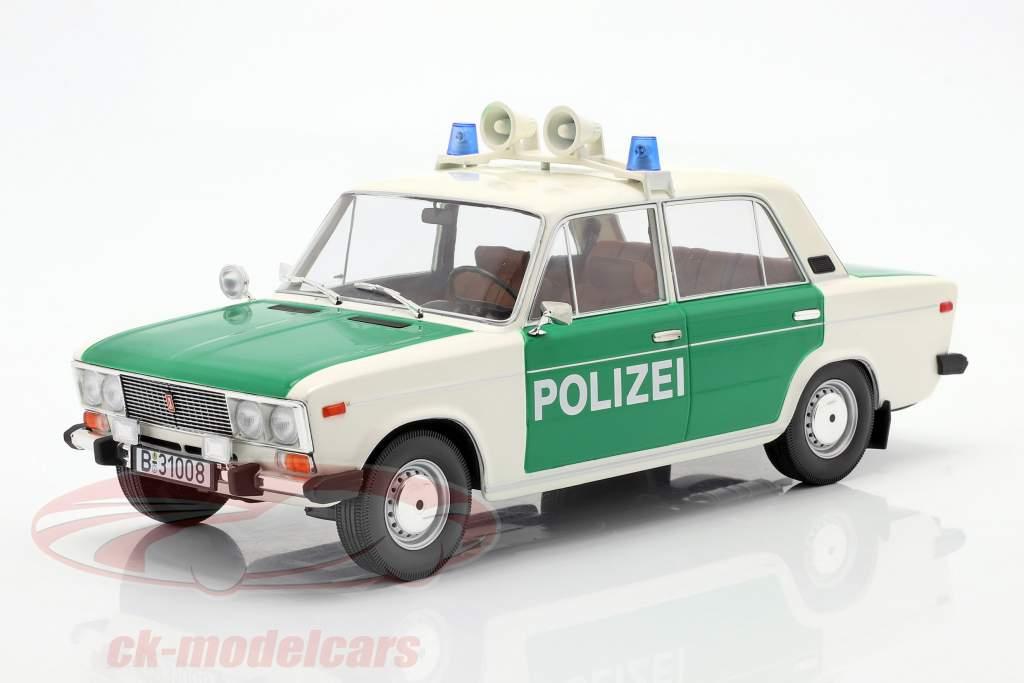 Lada 2106 polizia FRG Anno di costruzione 1976 bianca / verde 1:18 Triple9