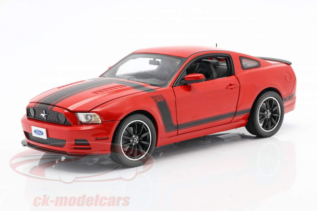 Ford Mustang Boss 302 Jaar 2013 rood 1:18 ShelbyCollectibles