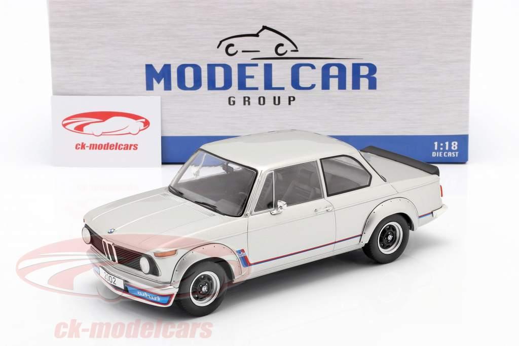 BMW 2002 Turbo (E20) Año de construcción 1973 plata 1:18 Model Car Group