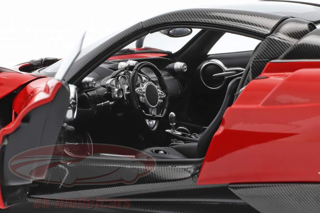 Pagani Huayra Roadster Byggeår 2017 rød 1:18 AUTOart