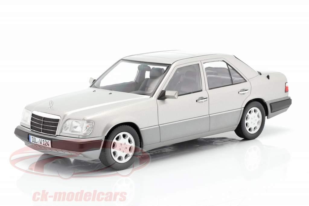 Mercedes-Benz E-Klasse (W124) Byggeår 1989 astral sølv 1:18 iScale