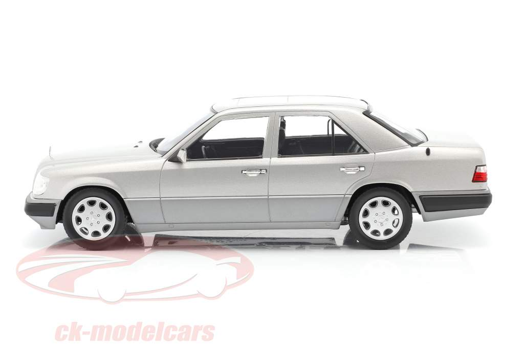 Mercedes-Benz E-Klasse (W124) Année de construction 1989 argent astral 1:18 iScale