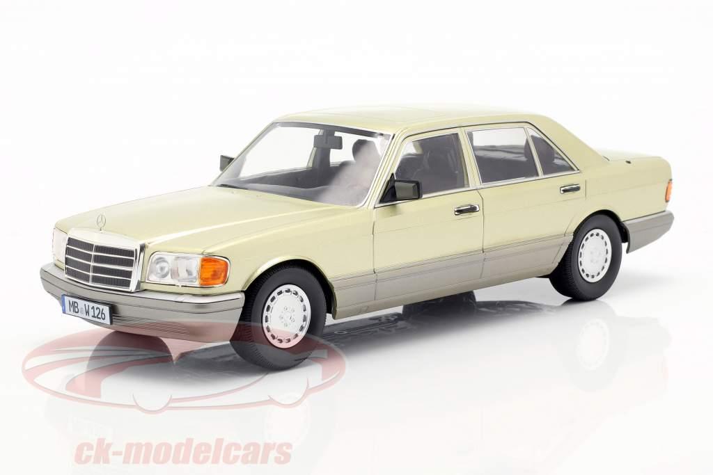 Mercedes-Benz S-Klasse (W126) Año de construcción 1985 cardo verde / gris 1:18 iScale