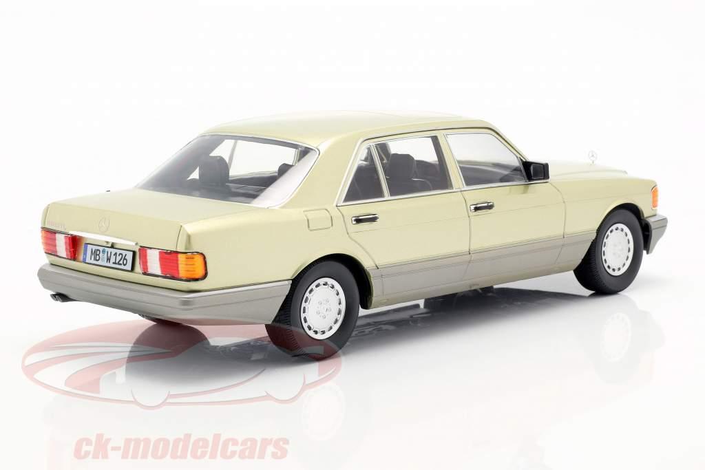 Mercedes-Benz S-Klasse (W126) Bouwjaar 1985 distel groen / Grijs 1:18 iScale